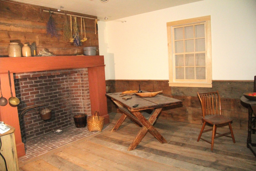 museum exhibit of Webster home during the industrial revolution